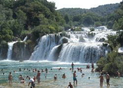 waterfall-202820_1280
