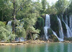 waterfall-332178_1280