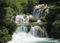 waterfall-423625_1280